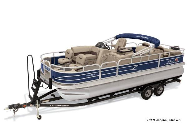 2020 Sun Tracker boat for sale, model of the boat is Fishin' Barge 22 DLX & Image # 1 of 5