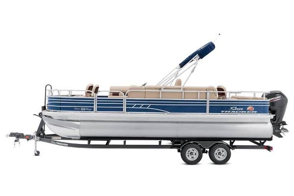 2021 Sun Tracker boat for sale, model of the boat is Fishin' Barge 22 DLX & Image # 10 of 17