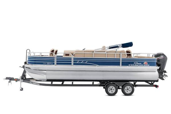 2021 Sun Tracker boat for sale, model of the boat is Fishin' Barge 22 DLX & Image # 11 of 17