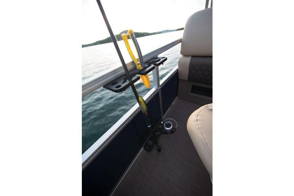 2021 Sun Tracker boat for sale, model of the boat is Fishin' Barge 22 DLX & Image # 17 of 17