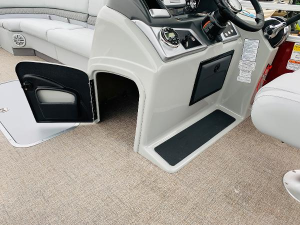 2021 Ranger Boats boat for sale, model of the boat is Reata 223C & Image # 28 of 41