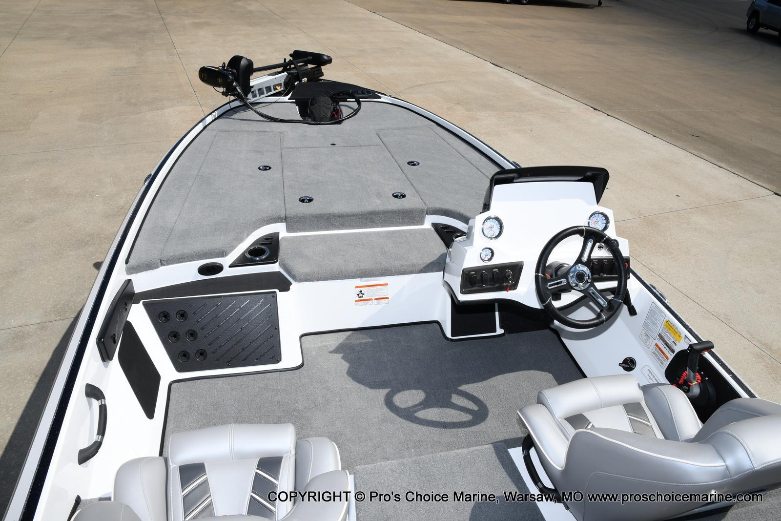 2021 Nitro boat for sale, model of the boat is Z18 & Image # 38 of 50