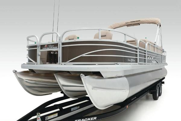 2021 Sun Tracker boat for sale, model of the boat is Fishin' Barge 24 XP3 & Image # 20 of 81