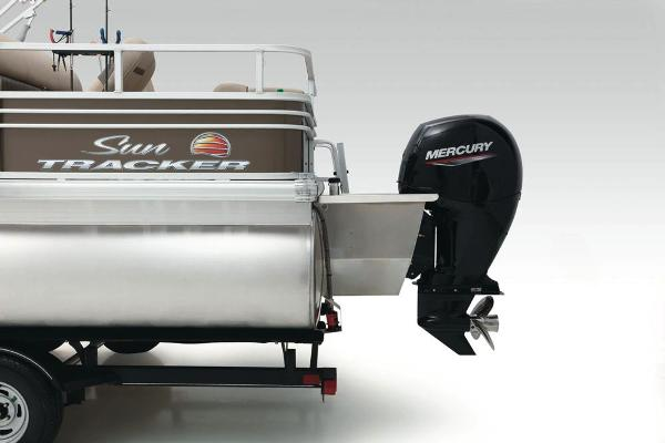2021 Sun Tracker boat for sale, model of the boat is Fishin' Barge 24 XP3 & Image # 21 of 81