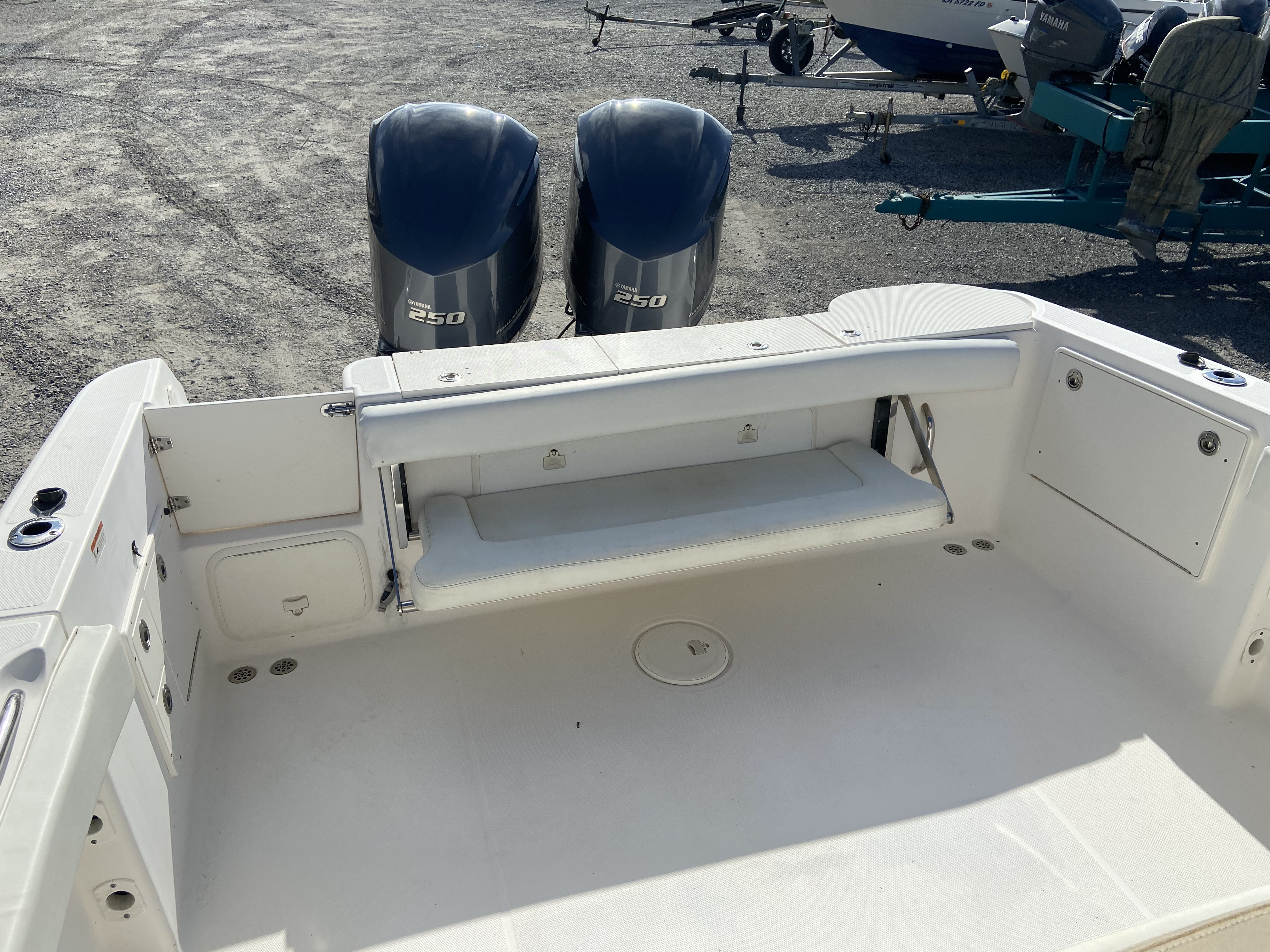 2006 Wellcraft boat for sale, model of the boat is 352 Sport & Image # 12 of 27