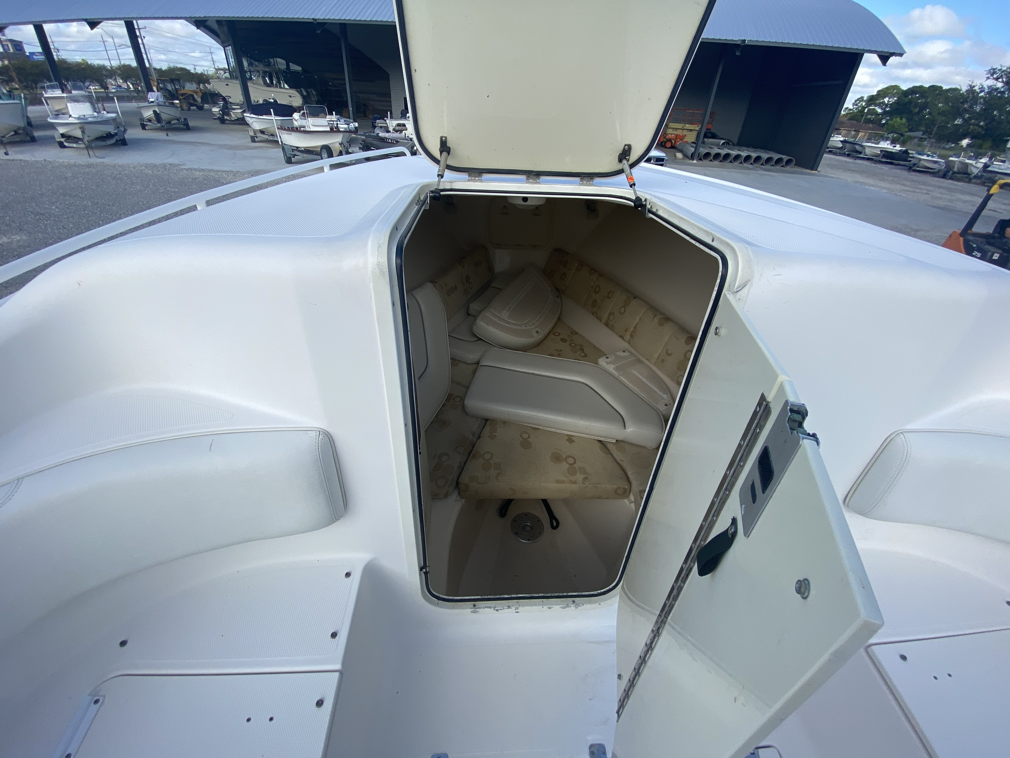 2006 Wellcraft boat for sale, model of the boat is 352 Sport & Image # 24 of 27