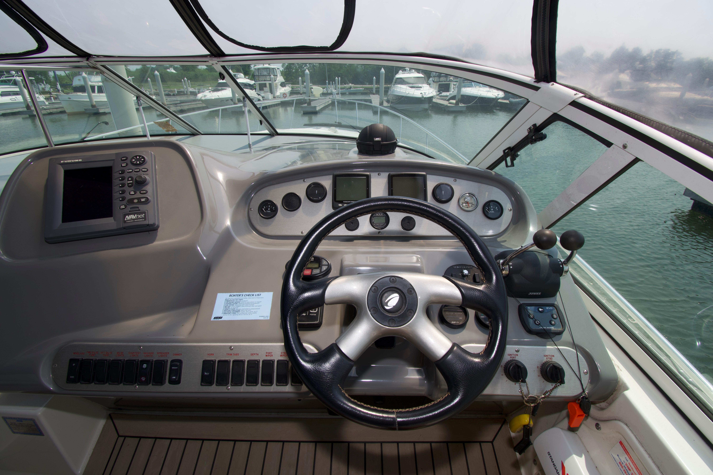 M 6279 EF Knot 10 Yacht Sales