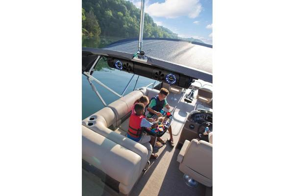 2020 Sun Tracker boat for sale, model of the boat is SportFish 22 XP3 & Image # 11 of 15
