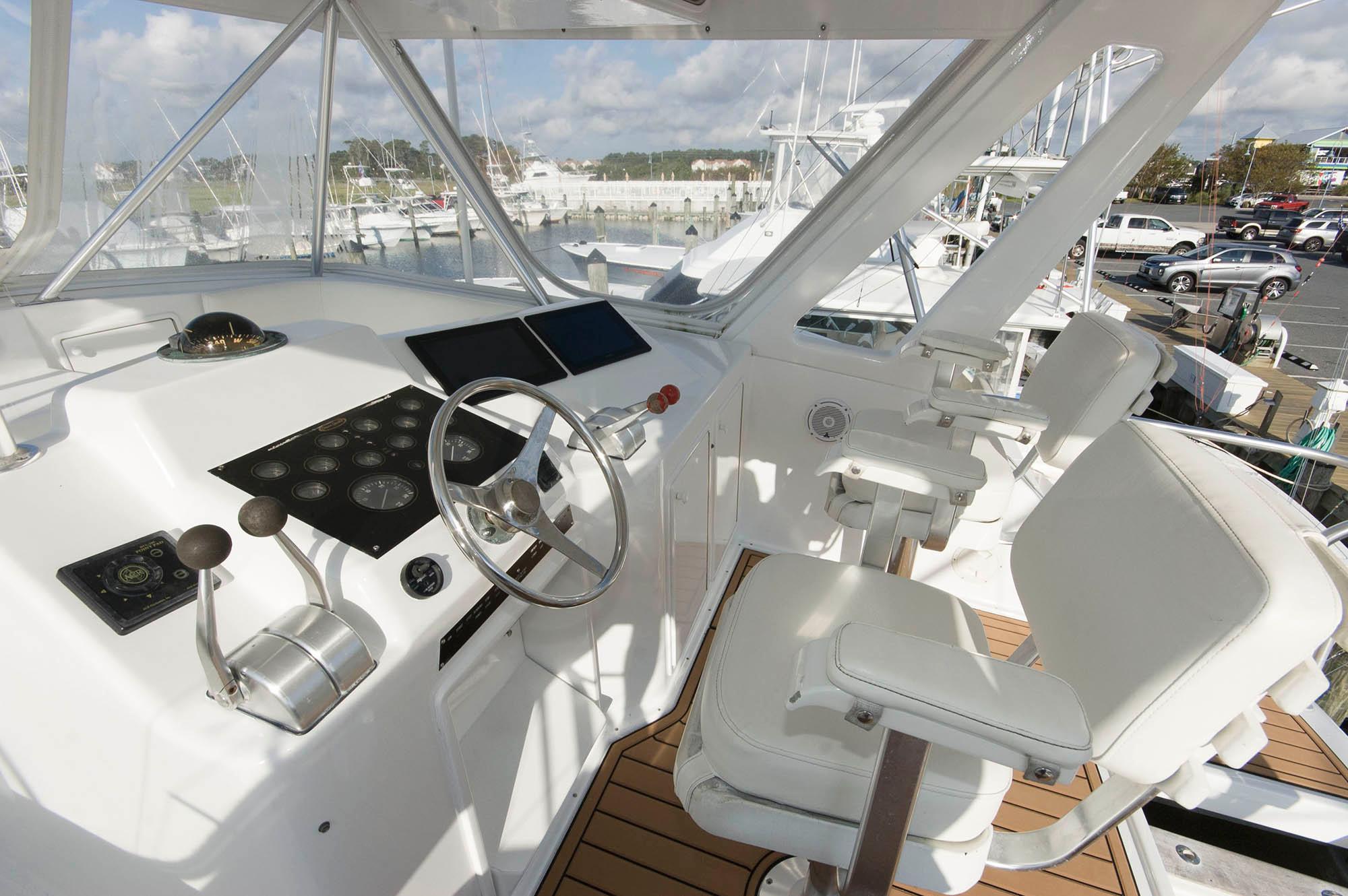 M 5583 EF Knot 10 Yacht Sales