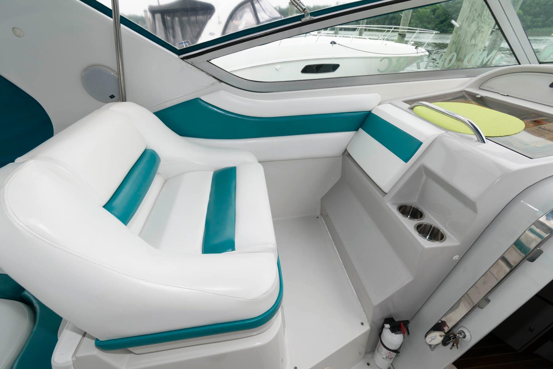 M 6179 KB Knot 10 Yacht Sales