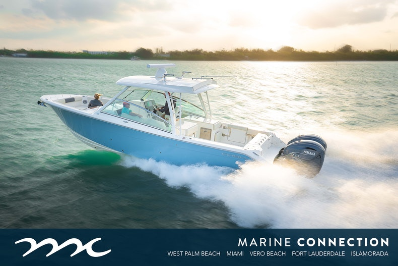 2021 COBIA BOATS 330 DC