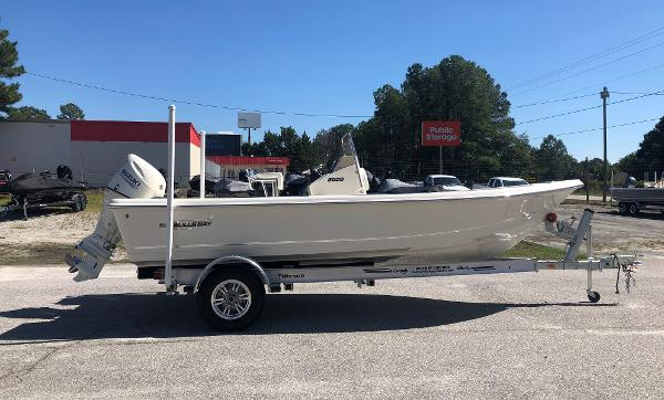 2021 Bulls Bay boat for sale, model of the boat is 2000 & Image # 3 of 30