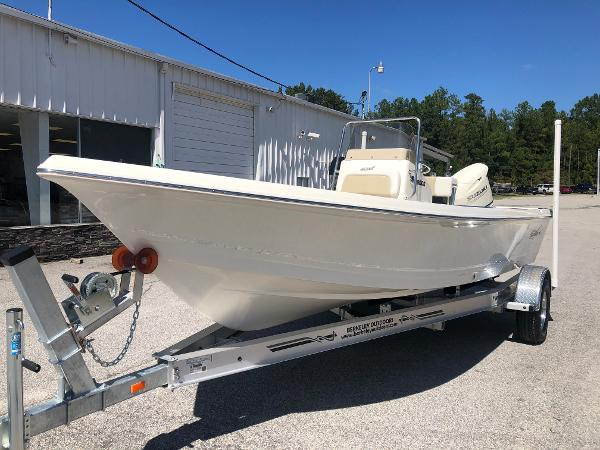 2021 Bulls Bay boat for sale, model of the boat is 2000 & Image # 2 of 30
