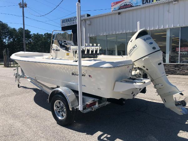 2021 Bulls Bay boat for sale, model of the boat is 2000 & Image # 6 of 30