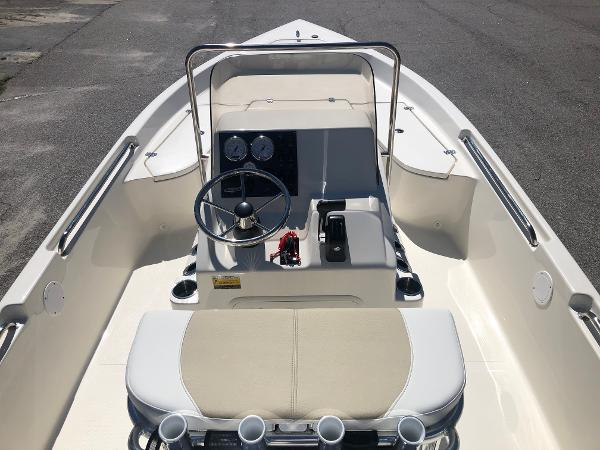 2021 Bulls Bay boat for sale, model of the boat is 2000 & Image # 9 of 30