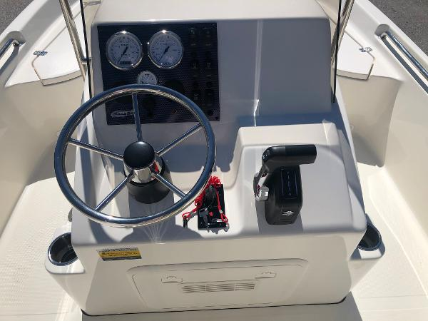 2021 Bulls Bay boat for sale, model of the boat is 2000 & Image # 22 of 30