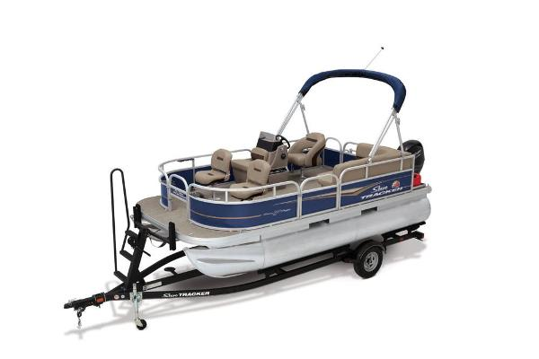 2021 Sun Tracker boat for sale, model of the boat is Bass Buggy 16 XL & Image # 1 of 13