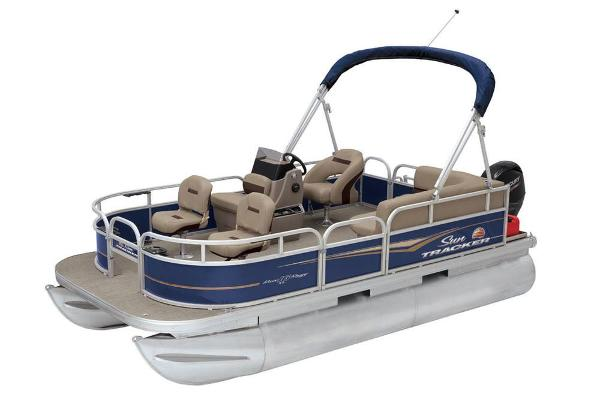 2021 Sun Tracker boat for sale, model of the boat is Bass Buggy 16 XL & Image # 5 of 13