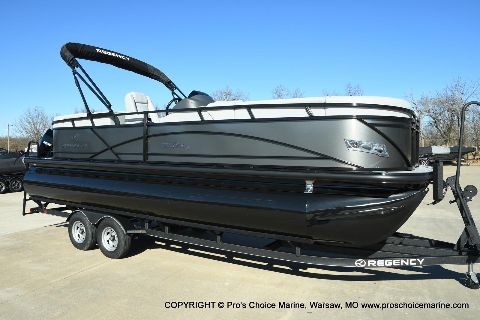 2021 Regency boat for sale, model of the boat is 230 DL3 w/250HP Mercury Verado 4 Stroke & Image # 2 of 50