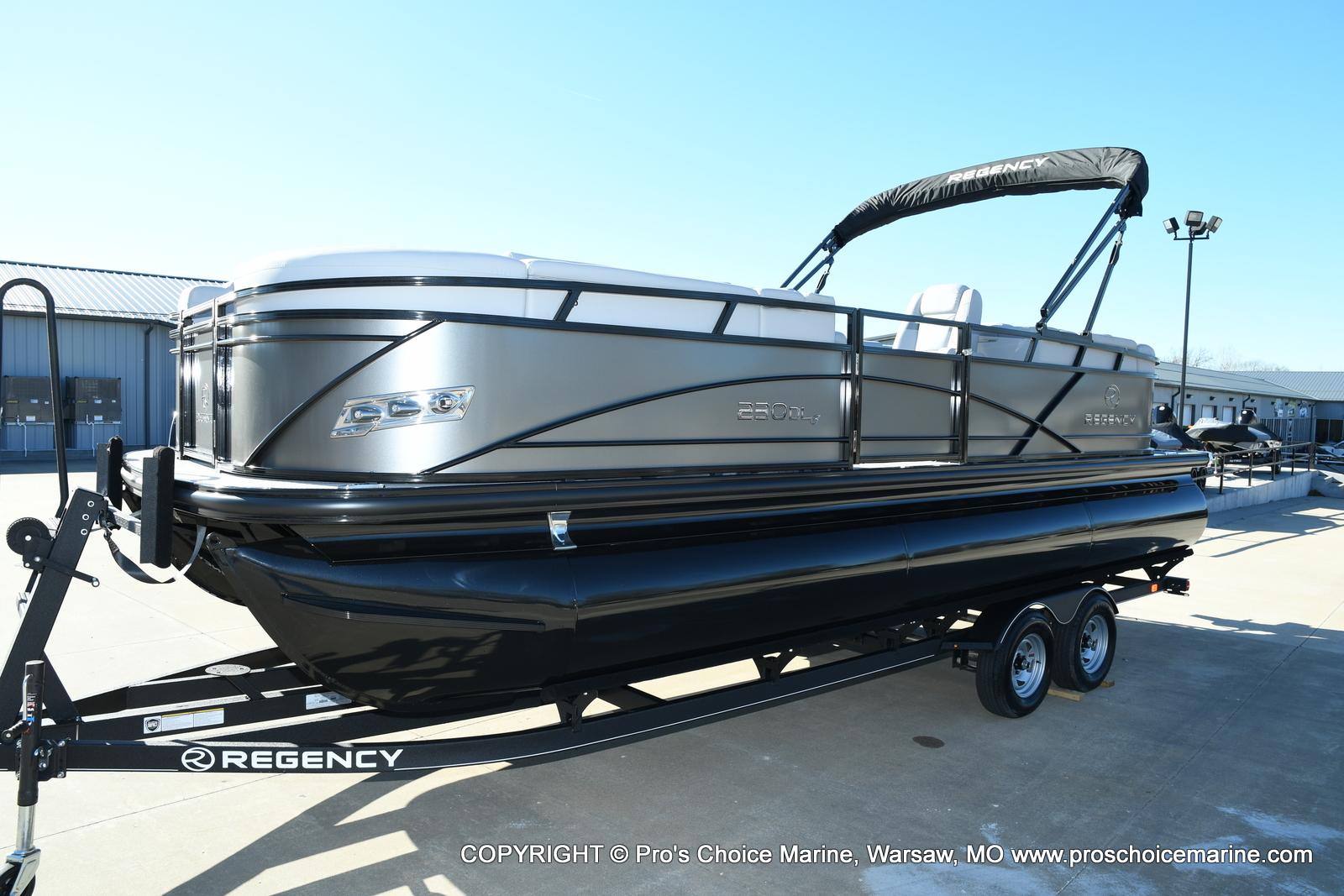2021 Regency boat for sale, model of the boat is 230 DL3 w/250HP Mercury Verado 4 Stroke & Image # 4 of 50