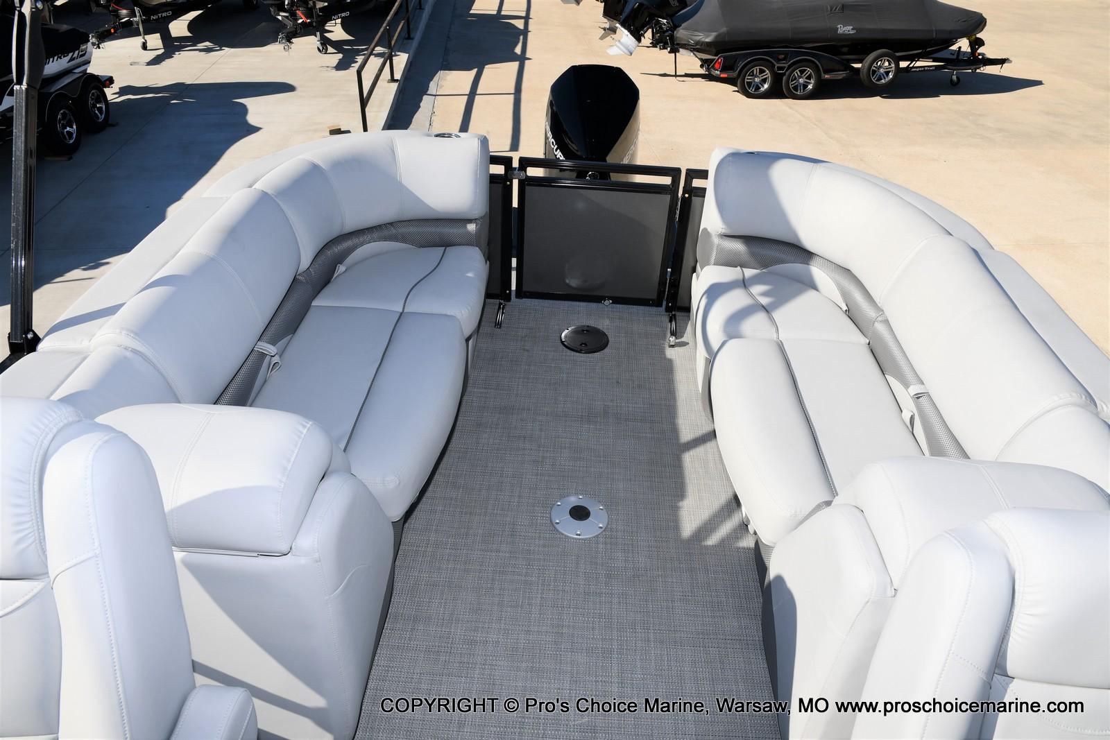 2021 Regency boat for sale, model of the boat is 230 DL3 w/250HP Mercury Verado 4 Stroke & Image # 7 of 50