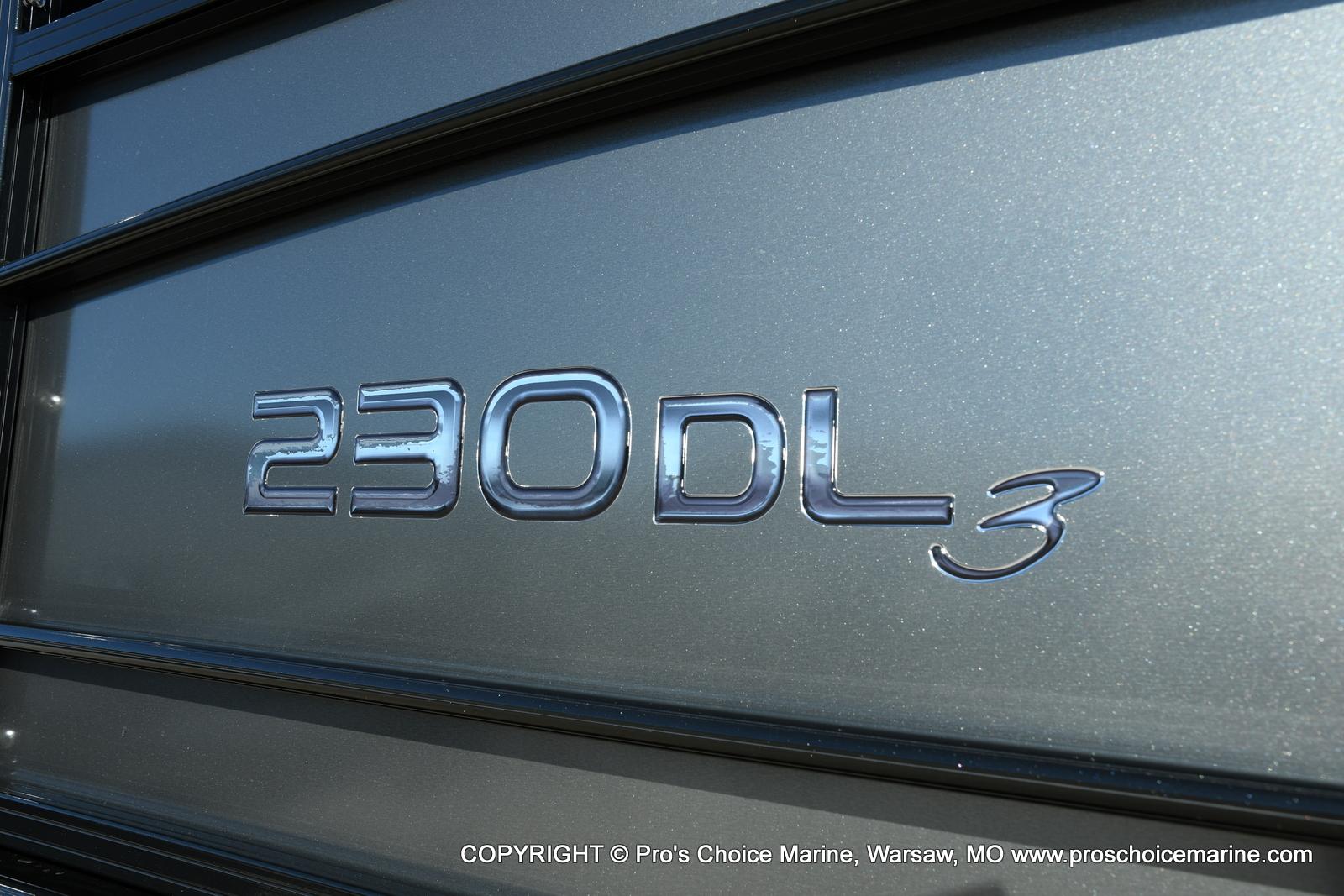 2021 Regency boat for sale, model of the boat is 230 DL3 w/250HP Mercury Verado 4 Stroke & Image # 13 of 50