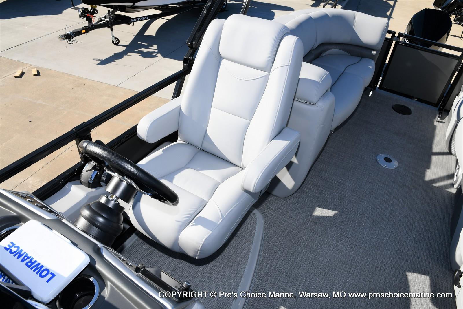 2021 Regency boat for sale, model of the boat is 230 DL3 w/250HP Mercury Verado 4 Stroke & Image # 15 of 50