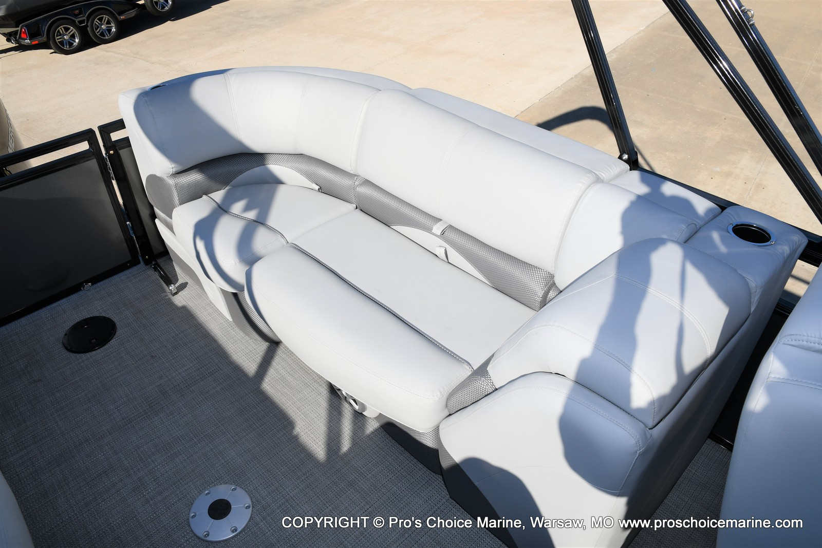 2021 Regency boat for sale, model of the boat is 230 DL3 w/250HP Mercury Verado 4 Stroke & Image # 16 of 50