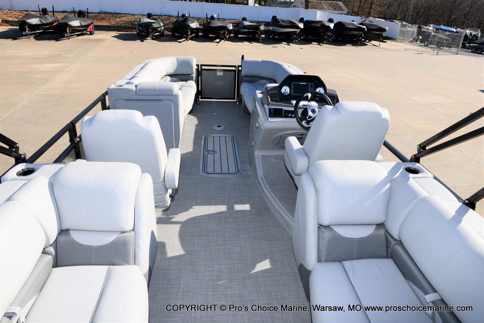 2021 Regency boat for sale, model of the boat is 230 DL3 w/250HP Mercury Verado 4 Stroke & Image # 17 of 50