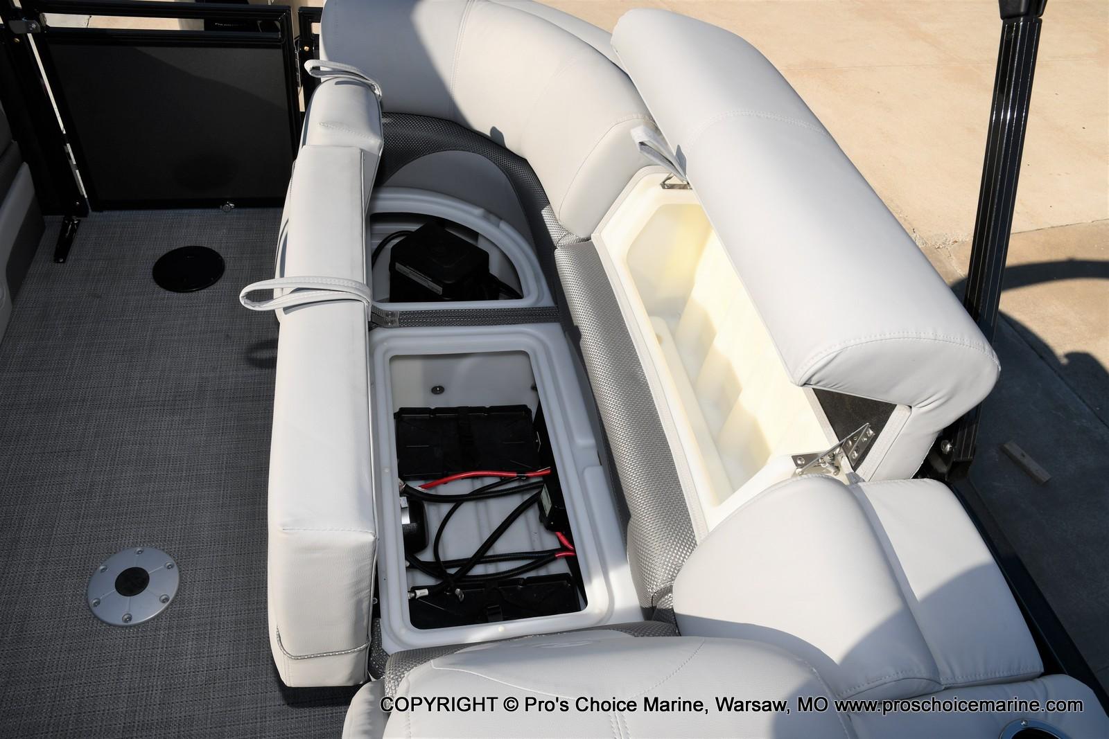 2021 Regency boat for sale, model of the boat is 230 DL3 w/250HP Mercury Verado 4 Stroke & Image # 19 of 50