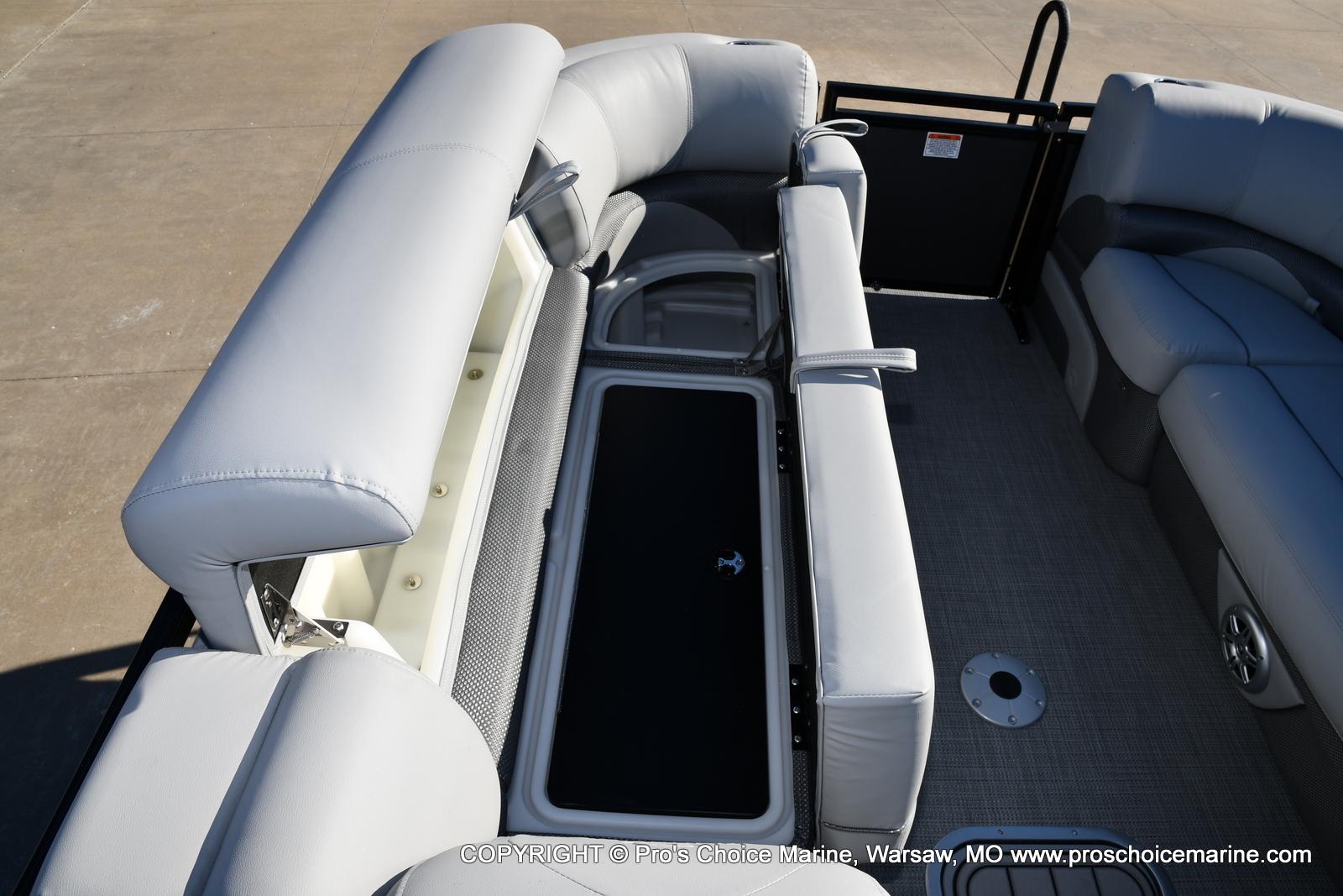2021 Regency boat for sale, model of the boat is 230 DL3 w/250HP Mercury Verado 4 Stroke & Image # 23 of 50