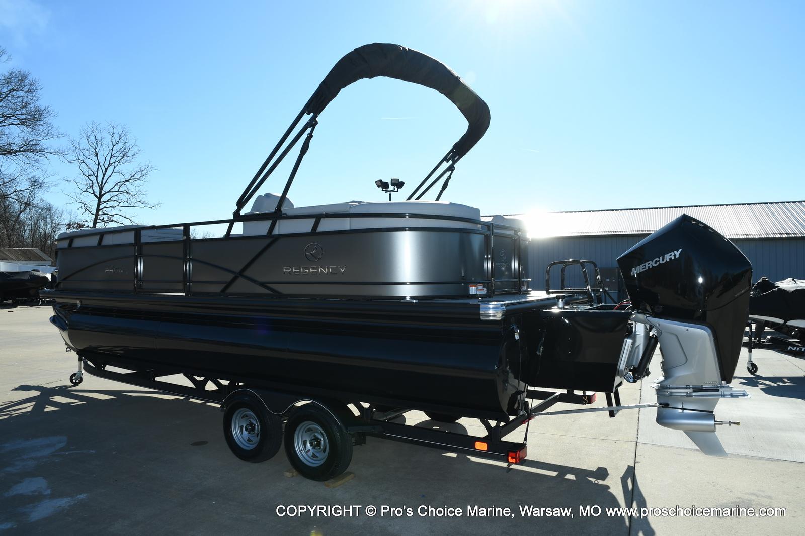 2021 Regency boat for sale, model of the boat is 230 DL3 w/250HP Mercury Verado 4 Stroke & Image # 25 of 50