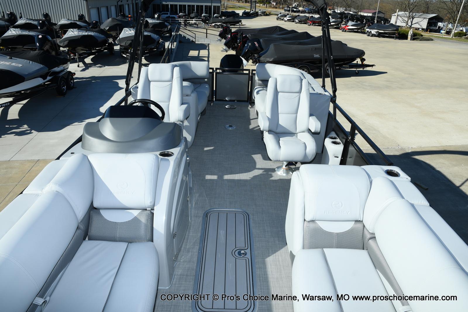 2021 Regency boat for sale, model of the boat is 230 DL3 w/250HP Mercury Verado 4 Stroke & Image # 26 of 50