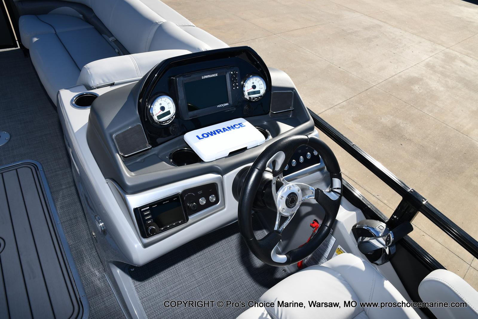 2021 Regency boat for sale, model of the boat is 230 DL3 w/250HP Mercury Verado 4 Stroke & Image # 27 of 50