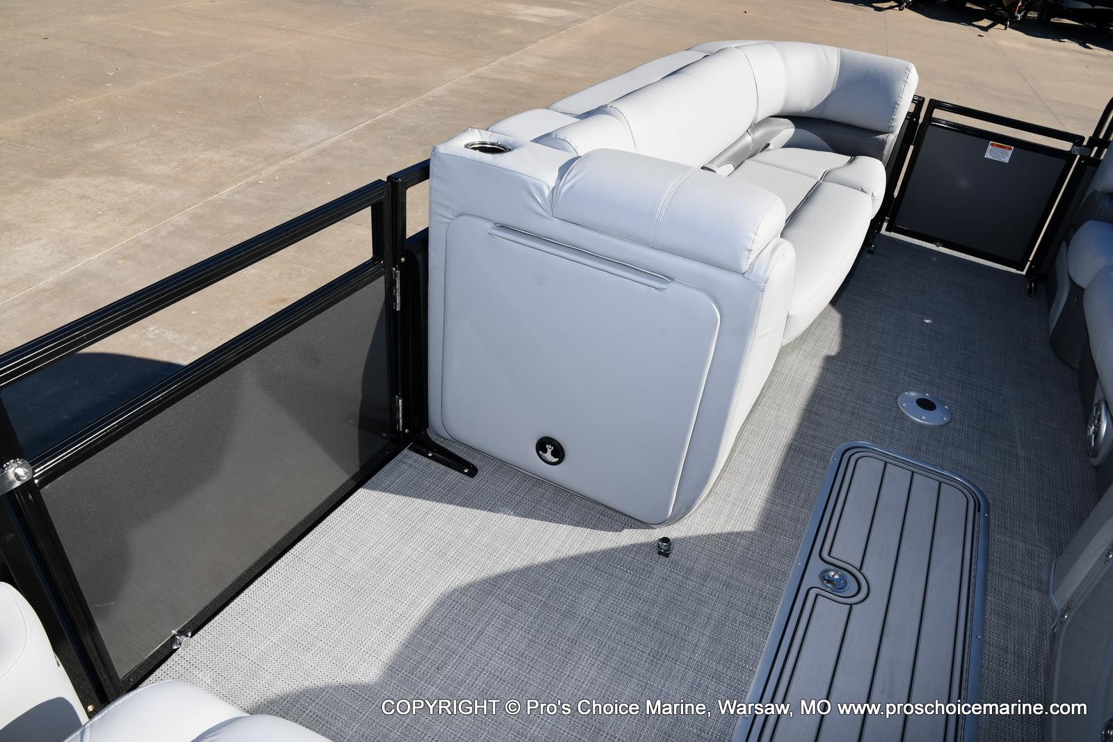 2021 Regency boat for sale, model of the boat is 230 DL3 w/250HP Mercury Verado 4 Stroke & Image # 42 of 50