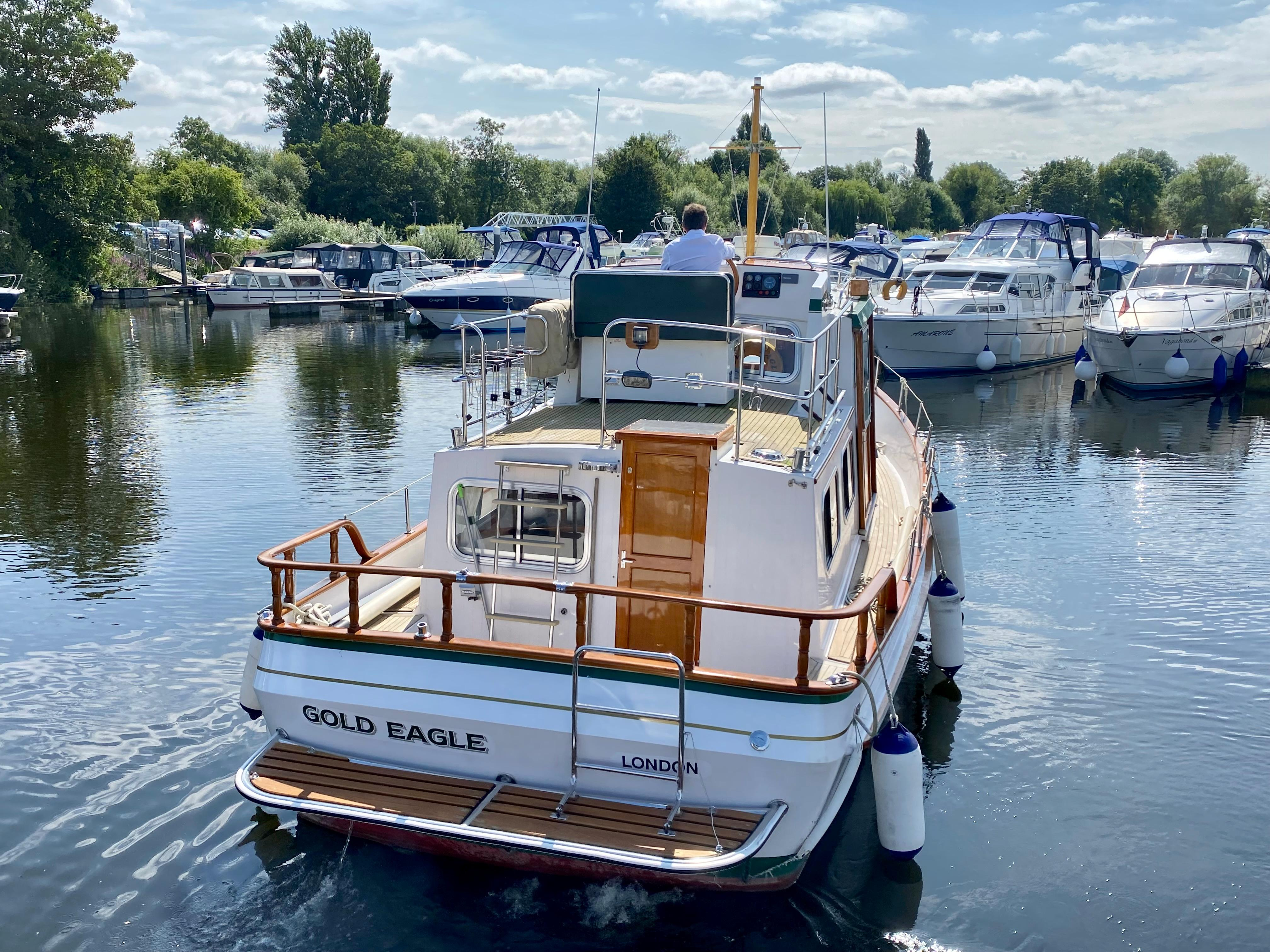 1992 Eagle 32 Trawler Pilothouse