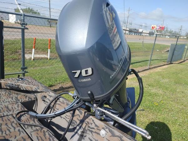 2021 Xpress boat for sale, model of the boat is XP18CC & Image # 7 of 7