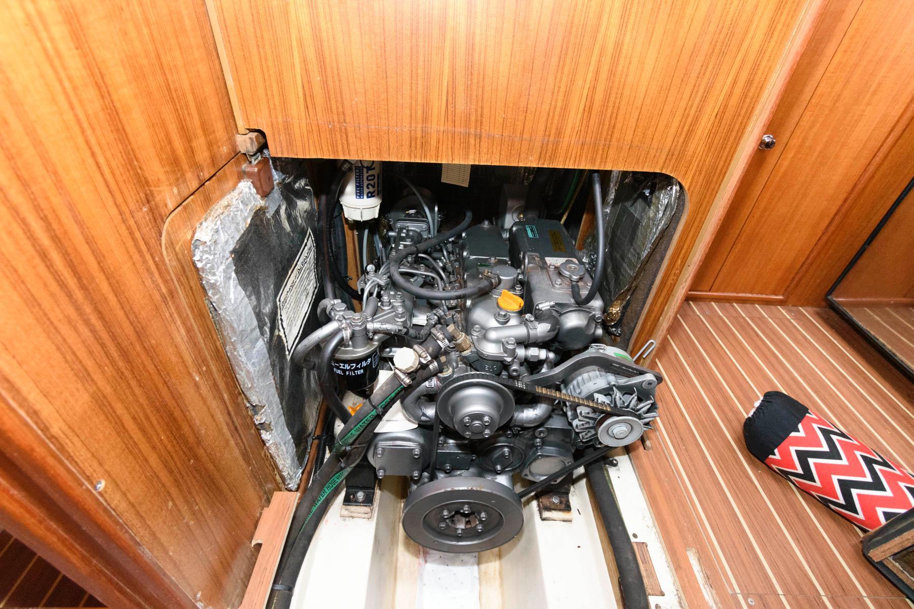 M 6586 JP Knot 10 Yacht Sales