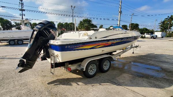 2007 Bayliner 217 Outboard