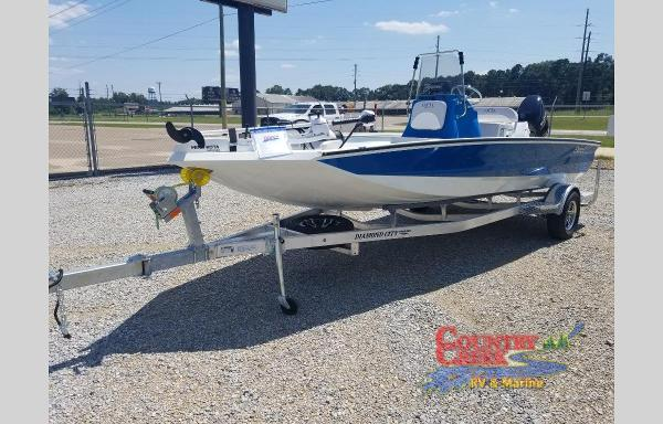 2021 Excel boat for sale, model of the boat is 203 Bay & Image # 4 of 7