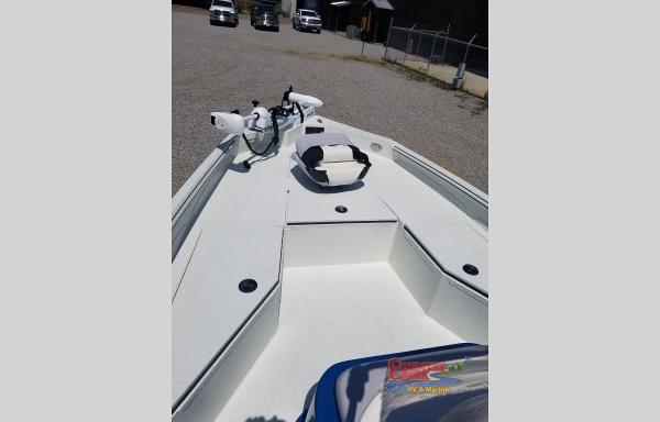 2021 Excel boat for sale, model of the boat is 203 Bay & Image # 7 of 7