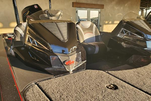 2021 Ranger Boats boat for sale, model of the boat is Z520L RANGER CUP EQUIPPED & Image # 2 of 28