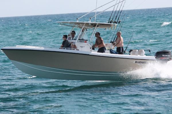 2021 Bluewater Sportfishing 2550