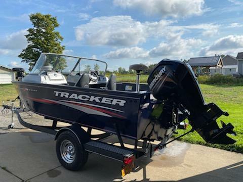 2019 TRACKER Pro Guide V-175 Combo