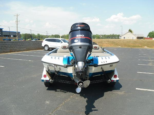 2009 Ranger Boats boat for sale, model of the boat is Z520 & Image # 2 of 32