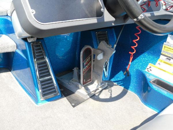 2009 Ranger Boats boat for sale, model of the boat is Z520 & Image # 9 of 32
