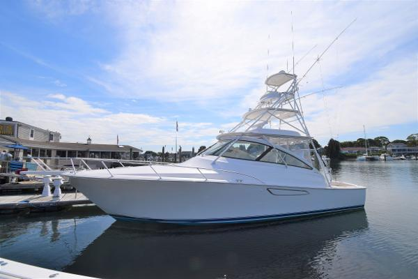 2015 Viking 42 Open with SeaKeeper
