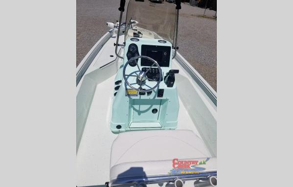 2021 Excel boat for sale, model of the boat is 220 Bay & Image # 4 of 9