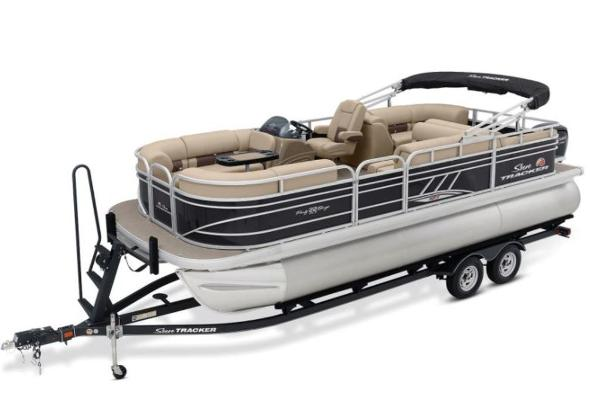 2022 Sun Tracker boat for sale, model of the boat is PARTY BARGE® 22 RF XP3 & Image # 1 of 1