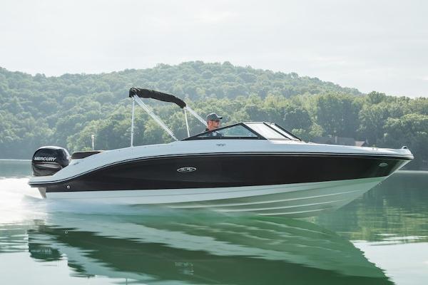 2021 SEA RAY SPX 210 OB thumbnail